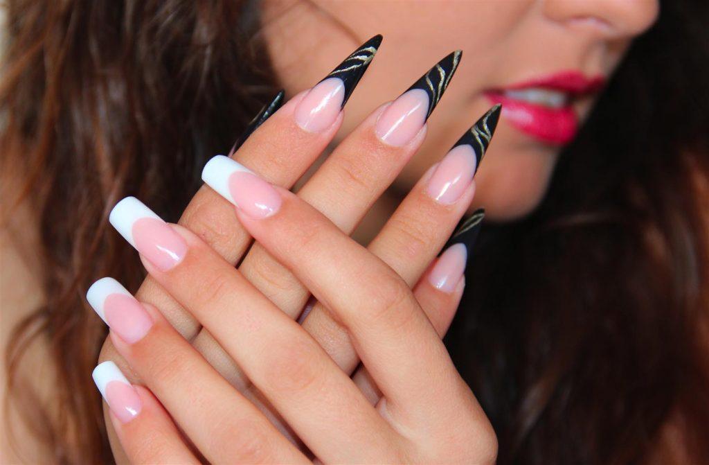 unghie-porcellana-beautycare-losone-01